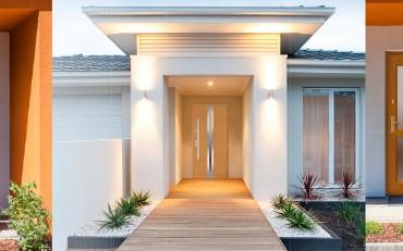 Retro stiliaus medinės lauko durys
