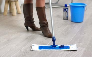 BONA grindų valymas